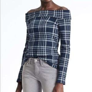 Navy Banana Republic Off-the-Shoulder Sweater